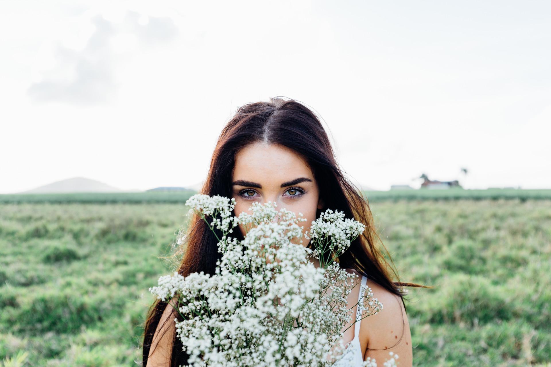 จิตวิทยามัดใจเธอและเขาด้วยดอกไม้