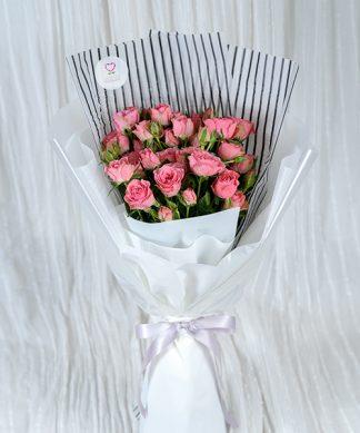 ช่อดอกกุหลาบช่อใหญ่สีชมพู