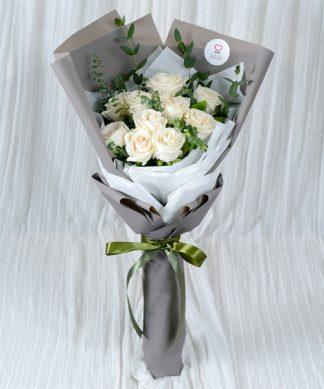 ช่อดอกเบญจมาศสีขาว