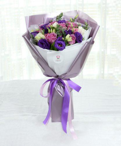 ช่อดอกไม้สีม่วงแทนคำในใจ