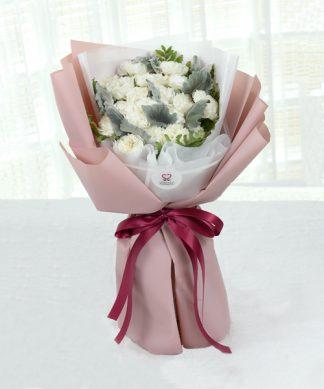 ช่อดอกคาร์เนชั่นสีขาว