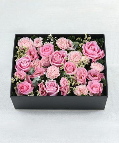 กล่องดอกไม้สีชมพู