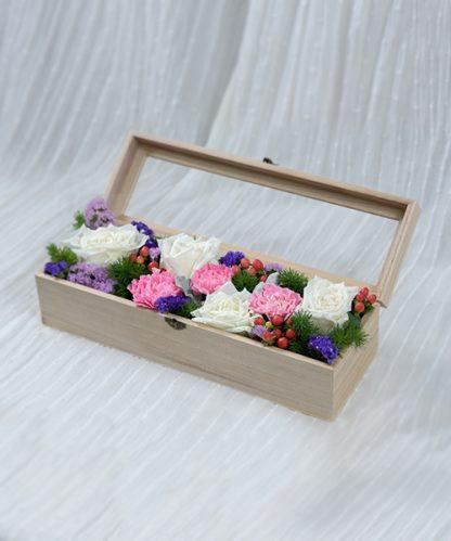 กล่องดอกไม้สีสันสดใส