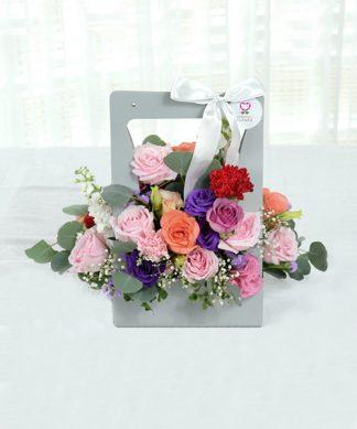 กระเช้าดอกกุหลาบหลากสี