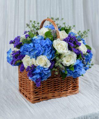 กระเช้าดอกไม้โทนสีน้ำเงิน