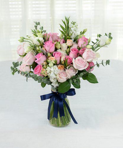 แจกันดอกไม้แทนคำในใจ