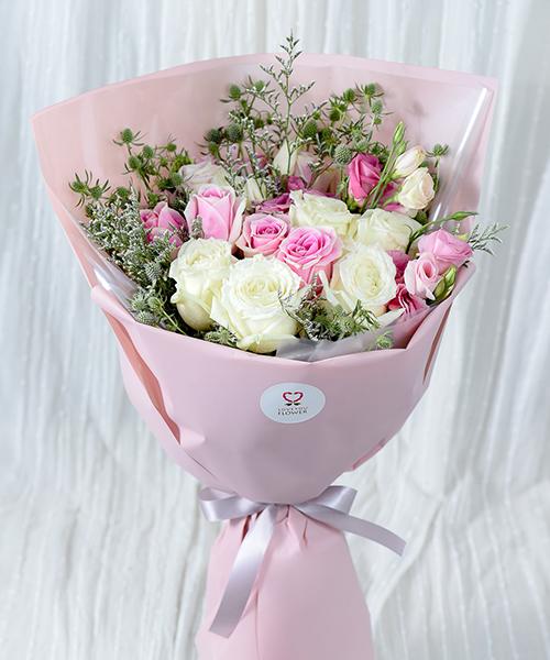 ดอกกุหลาบ 12 ดอก สื่อแทนความรักในวันวาเลนไทน์