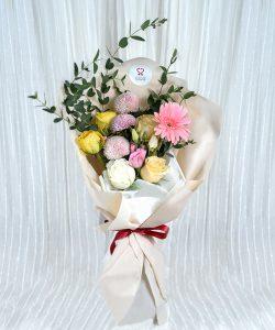 ช่อดอกไม้ จัดด้วยดอกเยอบีร่า ดอกกุหลาบ