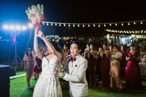 เจ้าสาวโยนดอกไม้แต่งงาน